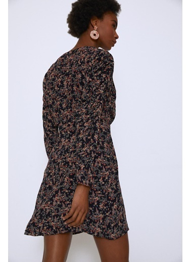 Quzu Çıtır Çiçek Kruvaze Fırfırlı V Yaka Elbise Siyah
